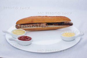 sandwich aux saucisses publicité pour entreprise de cognac charente