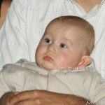 bebe-bapteme-enfan-sage-eglise-ceremonie