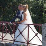 couple-mariés-sur-un-pont-charente.