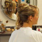 future-mariee-dans-miroir-vue-coiffure-charente