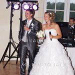 mariage-salle-soiree-remerciement-maries-au-micro
