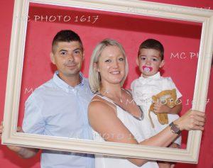 portrait-famille-trois-personnes-bapteme