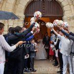 sortie-mariage-eglise-avec-haie-ballon-football-charente